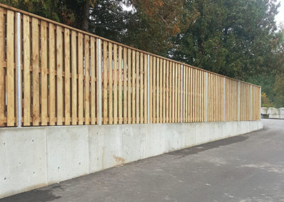 Board on board commercial fence